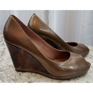 Donald J pliner bronze wedge